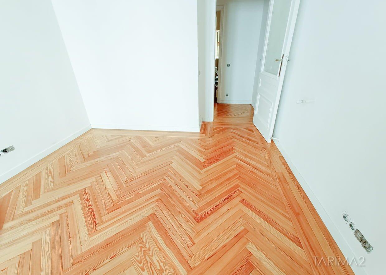 "Suelo de madera natural Tarima2Pino Mellix viejo ""Los Australes"""